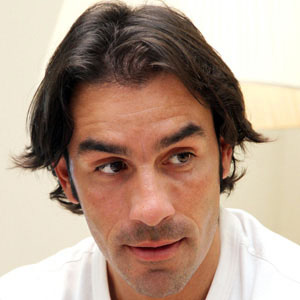 Soccer Player Robert Pires - age: 47