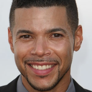 TV Actor Wilson Cruz - age: 43