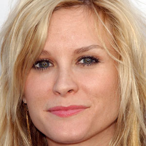 TV Actress Bonnie Somerville - age: 43
