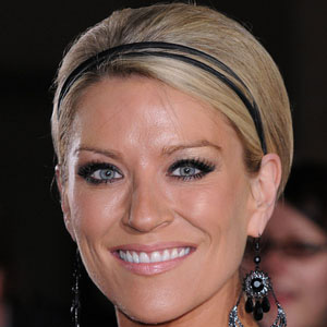 TV Actress Zoe Lucker - age: 46