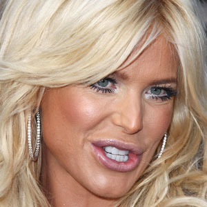 model Victoria Silvstedt - age: 47