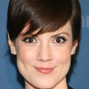 TV Actress Zoe McLellan - age: 42