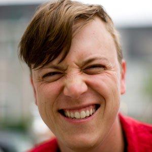 Journalist Justin Hall - age: 42