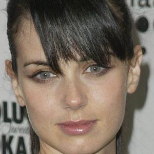 TV Actress Mia Kirshner - age: 45