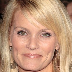 TV Actress Kelly Packard - age: 45