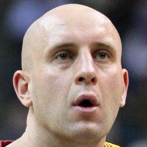 Basketball Player Zydrunas Ilgauskas - age: 45