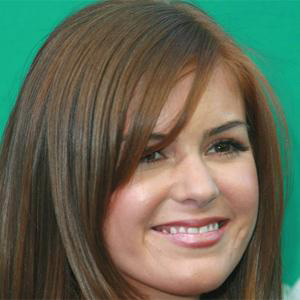 Movie actress Isla Fisher - age: 44