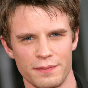 Movie Actor Luke Mably - age: 44
