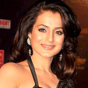 Movie actress Ameesha Patel - age: 45