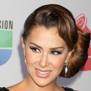 TV Actress Ninel Conde - age: 44