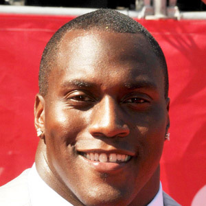 Football player Takeo Spikes - age: 40