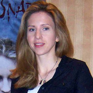 Movie actress Emily Perkins - age: 44