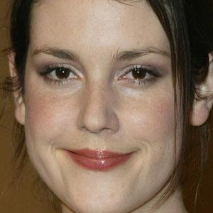 TV Actress Melanie Lynskey - age: 43