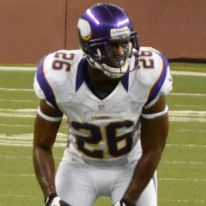Football player Antoine Winfield - age: 43