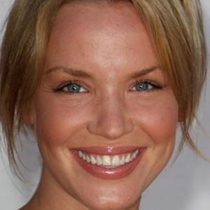 TV Actress Ashley Scott - age: 43