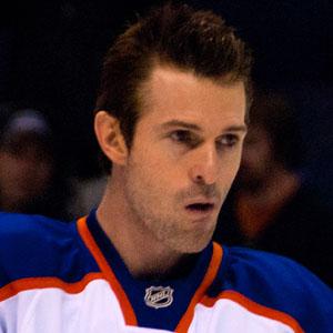 Hockey player Eric Belanger - age: 39
