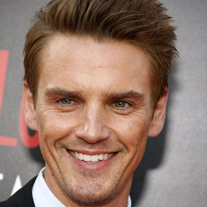 Movie Actor Riley Smith - age: 43