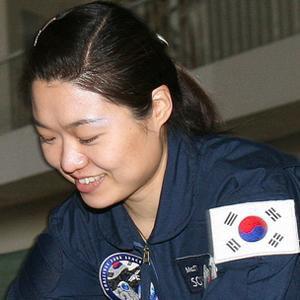 Astronaut Yi So-yeon - age: 42