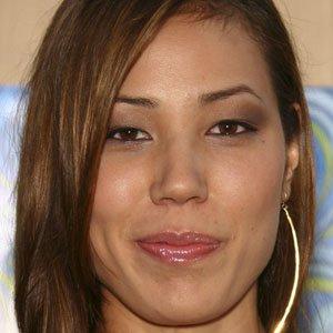 TV Actress Michaela Conlin - age: 43