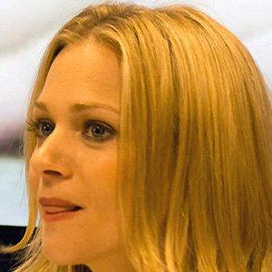 TV Actress AJ Cook - age: 43
