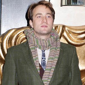 TV Actor Oliver Chris - age: 38