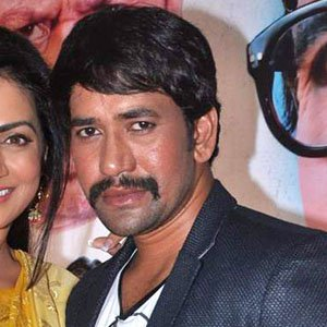 Movie Actor Dinesh Lal Yadav - age: 41