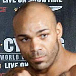 MMA Fighter Mike Kyle - age: 40