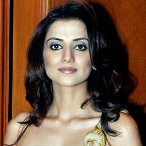 TV Actress Kulraj Randhawa - age: 40