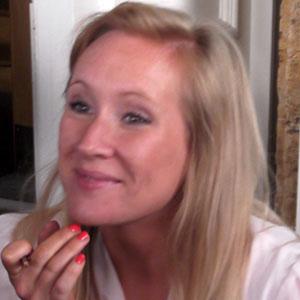 TV Actress Martha Howe-Douglas - age: 41