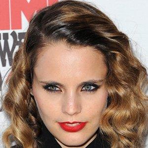 Pop Singer Anna Calvi - age: 40