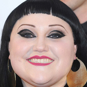 Rock Singer Beth Ditto - age: 39