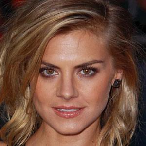 TV Actress Eliza Coupe - age: 39