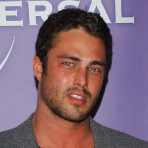 TV Actor Taylor Kinney - age: 40