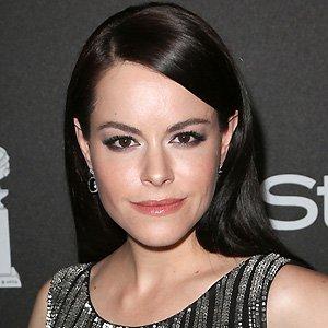 Movie actress Emily Hampshire - age: 35