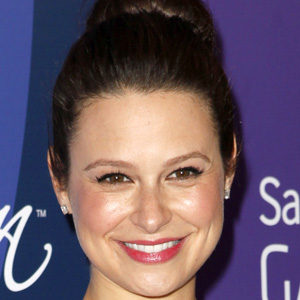 TV Actress Katie Lowes - age: 39