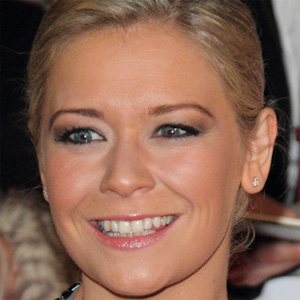 TV Actress Suzanne Shaw - age: 39