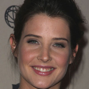 TV Actress Cobie Smulders - age: 39