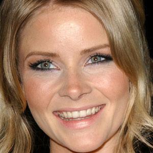 Movie actress Anita Briem - age: 38