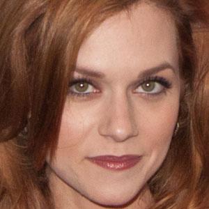 TV Actress Hilarie Burton - age: 34