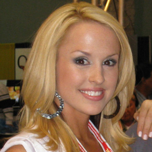 TV Show Host Lauren Brooke - age: 38