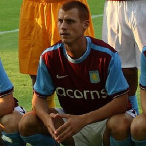 Soccer Player Steve Sidwell - age: 34
