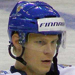 Hockey player Mikko Koivu - age: 37