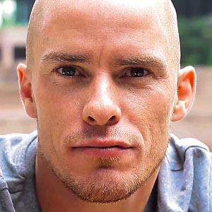 Soccer Player Iain Hume - age: 33