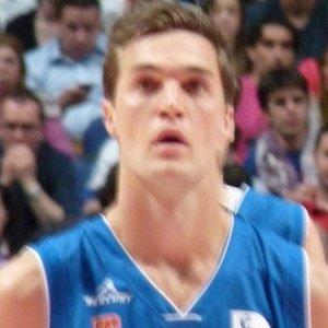 Basketball Player Levon Kendall - age: 32