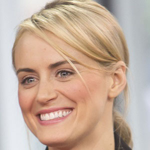 TV Actress Taylor Schilling - age: 36