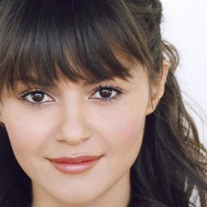 TV Actress Leslie-Anne Huff - age: 32