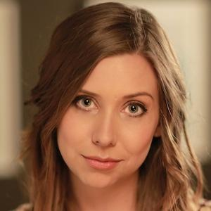 web video star Hazel Hayes - age: 36