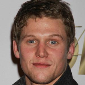TV Actor Zach Roerig - age: 32