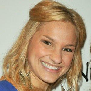 web video star Chelsea Briggs - age: 35