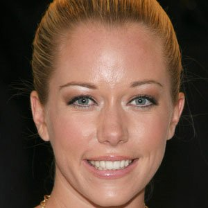 Reality Star Kendra Wilkinson - age: 36
